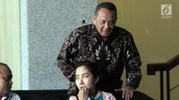 Mantan Sekretaris Mahkamah Agung (MA) Nurhadi Abdurachman memenuhi panggilan pemeriksaan di Gedung KPK, Jakarta, Selasa (6/11). Nurhadi diperiksa sebagai saksi kasus dugaan suap terkait peninjauan kembali di PN Jakarta Pusat. (Merdeka.com/Dwi Narwoko)