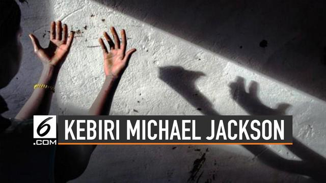 Publik ramai membicarakan kebiri usai penetapan hukuman kebiri di Indonesia. Kabar mengejutkan juga pernah menimpa mendiang Michael Jackson.