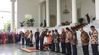 Momen keakraban PM Belanda Mark Rutte dengan Menlu Retno LP Marsudi saat bertemu di Istana Bogor, Senin (7/10/2019). (Lizsa Egeham/Liputan6.com)
