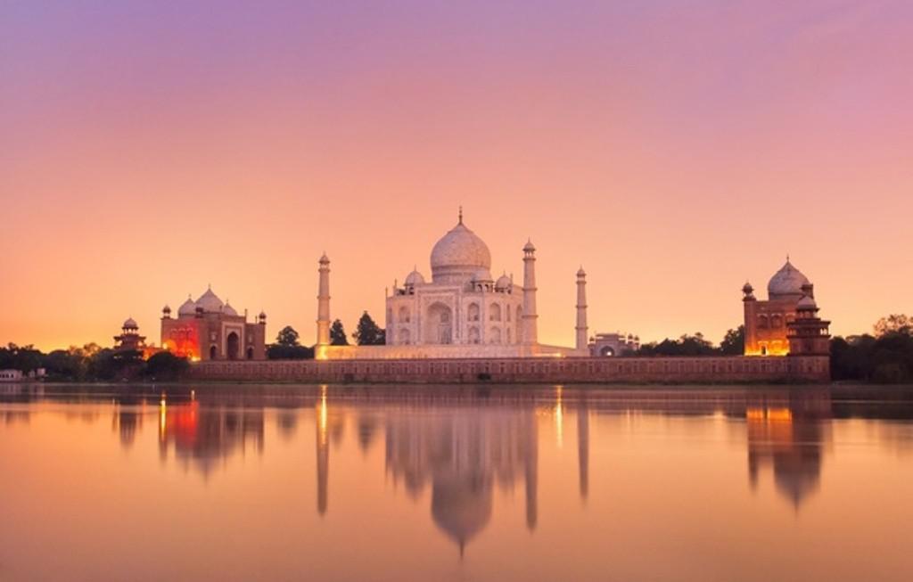 Taj Mahal, Agra, Uttar Pradesh, India. (goodfon.su)