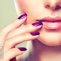 Yuk ciptakan scrub alami agar bibir bersih dari sisa kulit mati yang menempel. (Foto: iStockphoto)