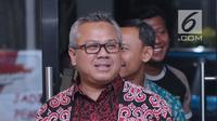 Ketua KPU RI, Arief Budiman bersiap menyampaikan keterangan terkait putusan PTUN yang memenangkan gugatan PKPI di gedung KPU, Jakarta, Kamis (12/4). KPU mengambil sikap segera melaksanakan putusan PTUN. (Liputan6.com/Helmi Fithriansyah)