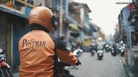 Jajaran terdepan PT Pos Indonesia yang menyerahkan BST kepada masyarakat terdampak Covid-19. (Ist)