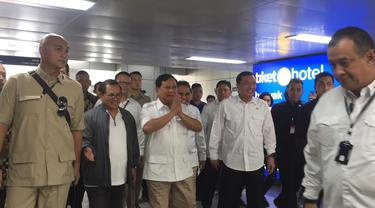 Prabowo Subianto sudah tiba di Stasiun MRT Lebak Bulus, Jakarta.