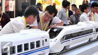 Kereta Cepat Buatan Cina (Liputan6.com/Andrian M Tunay)