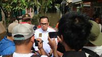 Anggota Fraksi PKB DPR RI M Rano Alfath mendatangi lokasi banjir di Tangerang. (Istimewa)