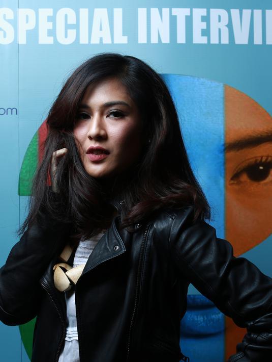 Dian Sastrowardoyo pemeran utama film yang sudah melegenda seperti Ada Apa Dengan Cinta.. (Galih W Satria/Bintang.com)