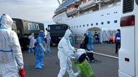 Suasana proses evakuasi WNI dari kapal pesiar Diamond Princess di Yokohama (1/3/2020) (kredit: KBRI Tokyo / Kemlu RI)