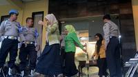 Beberapa anggota DPRD Kota Malang usai diperiksa KPK di Mapolres Malang Kota beberapa saat silam (Liputan6.com/Zainul Arifin)
