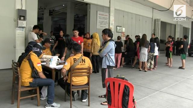 BNN Provinsi DKI Jakarta merazia tempat kos-kosan di Mangga Besar. Setiap penghuni jalani tes urine untuk pemeriksaan.
