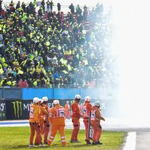 Gelar tersebut diraih setelah Fabio Quartararo finis keempat pada balapan MotoGP Emilia Romagna di Sirkuit Misano, Minggu (24/10/2021) malam WIB. (AFP/Andreas Solaro)