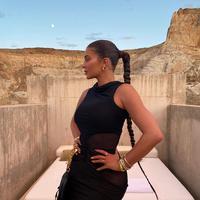 Kylie Jenner (Instagram @kyliejenner)