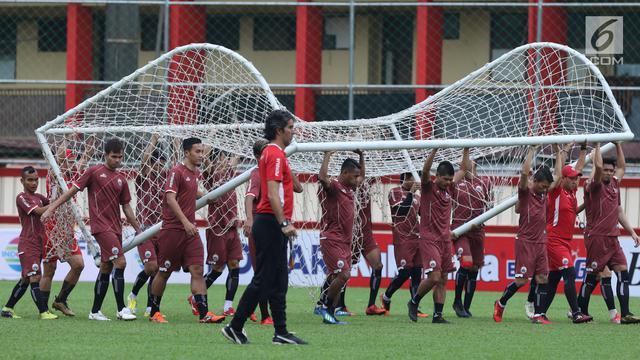 Persija Utamakan Kerja Sama Tim Untuk Menjebol Gawang Persib