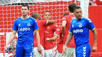Manchester United meraih kemenangan 4-0 atas Everton pada laga uji coba yang digelar di Old Trafford, Sabtu (7/8/2021) malam WIB. (AFP/Lindsey Parnaby)
