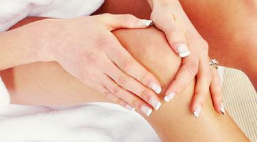 memutihkan lutut dengan bahan alami bukanlah hal yang mustahil.
