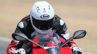 Helm Arai Corsair-X (motorcycle.com)
