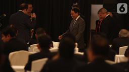 Menteri Pemuda dan Olahraga RI ( Menpora) Zainudin Amali menghadiri Kongres Luar Biasa (KLB) Pemilihan PSSI di Hotel Shangri-La, Jakarta, Sabtu (2/11/2019). Agenda utama KLB PSSI ini adalah memilih ketua umum, dua wakil ketua umum, dan 12 orang komite eksekutif (exco). (Liputan6.com/Herman Zakharia)
