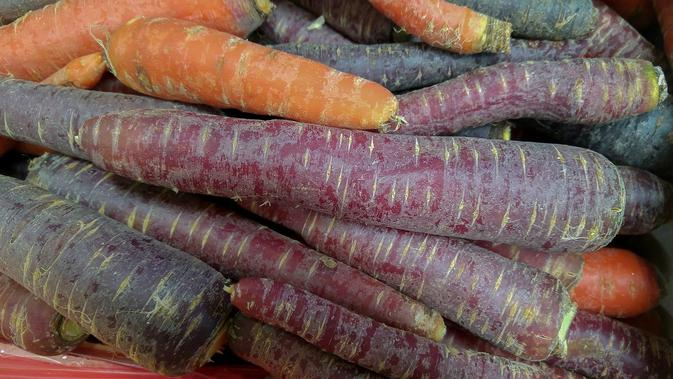 Ilustrasi wortel berwarna ungu (pixabay)