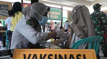 vaksinasi anak di gerai TNI Kodim 1306 Donggala