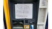 6 Tulisan di ATM Rusak Ini Bikin Geleng Kepala (sumber: Instagram.com/ngumpulreceh)