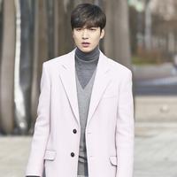 Lee Min Ho di Legend of the Blue Sea. (via SBS)
