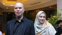 Ahmad Dhani bersama istrinya, Mulan Jameela. (Daniel Kampua/Fimela.com)