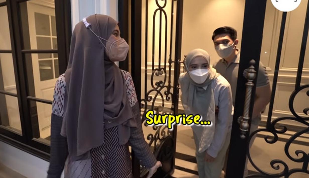 Buka Bersama TSF, Shireen dan Zaskia Sungkar (Youtube/The Sungkar Family)