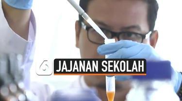 Peredaran jajanan sekolah yang mengndung zat bebahaya meresahkan banyak pihak. Tim Fokus Indosiar mencoba menelusurinya di lingkungan sekolah Jakarta dan luar Jakarta. Yuk, simak liputannya.