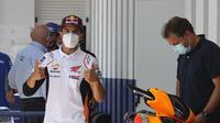 Pembalap Repsol Honda, Marc Marquez, setelah menjalani tes medis di Sirkuit Jerez, Kamis (23/7/2020). (AFP/STR)