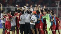 Pemain Indonesia merayakan kemenangan atas Uni Emirat Arab (UEA) pada laga AFC di SUGBK, Jakarta, Rabu (24/10/2018). Indonesia menang 1-0 atas UEA. (Bola.com/M Iqbal Ichsan)