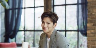 Ji Chang Wook, salah satu aktor Korea yang merintis karirnya dari bawah. Tak langsung terkenal, ia juga mengalami lika-liku kehidupan dalam perjalanan karirnya itu. (doc.soompi.com)