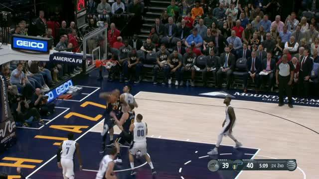 Berita video game recap NBA 2017-2018 antara Utah Jazz melawan Orlando Magic dengan skor 94-80.