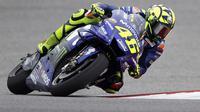Pembalap Movistar Yamaha, Valentino Rossi saat beraksi pada kualifikasi MotoGP Austin 2018 di Circuit of the Americas (COTA). (AP Photo/Eric Gay)