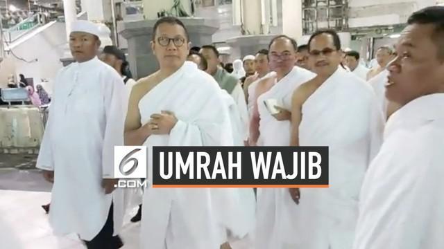 Menteri Agama sekaligus Amirul Hajj Lukman Hakim Saifuddin beserta rombongan melaksanakan umroh wajib di Tanah Suci. Menag tiba di kawasan Masjidil Haram, Mekah Al Mukarramah, pada Kamis (1/8/2019), pukul 02.10 waktu Arab Saudi.