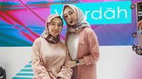 Hijaber Sinta membagikan tips tampilan makeup simpel yang cocok untuk sehari-hari.