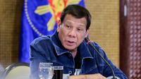 Presiden Filipina Rodrigo Duterte menyampaikan pidato di Istana Presiden Malacanang, Manila, Kamis (12/3/2020). Penyebaran virus corona COVID-19 di Filipina telah mencapai 52 kasus, dua meninggal. (Richard Madelo/Malacanang Presidential Photographers Division via AP)