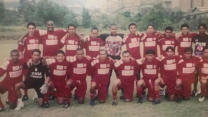 Skuat PSM Makassar ketika diperkuat oleh Hamka Hamzah dan Syamsul Chaeruddin. (Bola.com/Abdi Satria)