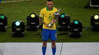 Penyerang Timnas Brasil, Everton Soares, meraih penghargaan sepatu emas Copa America 2019 dengan koleksi tiga gol. (AFP/MAURO PIMENTEL)