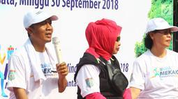 """Bupati Lombok Barat, Fauzan Khalid dalam acara launching Blibli Mekaki Marathon 2018 di Kantor Kemenpar, Minggu (30/9). Event yang bertema """"Run and Enjoy Breathtaking Views of Mekaki"""" itu akan berlangsung 28 Oktober nanti. (Liputan6.com/Angga Yuniar)"""