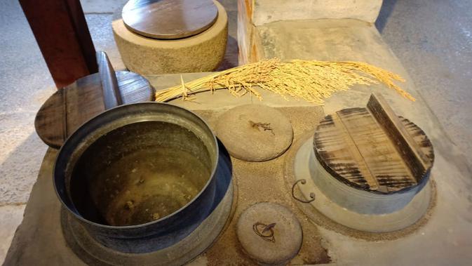 Peralatan dapur di kediaman Kamihaga (Liputan6.com/ Mevi Linawati)