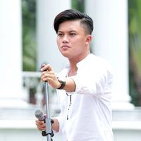 Rizky Febian mengisi acara Hari Sumpah Pemuda yang dilangsungkan di Istana Negara Bogor, Jawa Barat. (Deki Prayoga/Bintang.com)