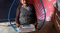 nenek 96 tahun ini tetap gigih untuk menimba ilmu (Dunya News)