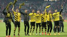 Borussia Dortmund mengamankan satu tempat di final DFB Pokal 2015 usai mengandaskan perlawanan Bayern Muenchen lewat drama adu penalti. Dalam laga semifinal yang dihelat di Allianz Arena, Rabu (29/4/2015) dini hari WIB, kedua tim bermain imbang 1-1 h...