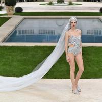Chanel hadirkan koleksi menarik yang bervariasi untuk pekan mode Haute Couture 2019.