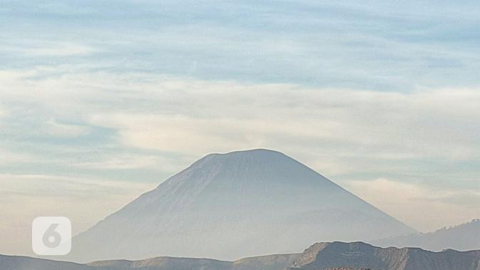 Hasil cropping foto Oppo Reno2 dengan lensa sudut normal pada objek pemandangan alam. Liputan6.com/Mochamad Wahyu Hidayat