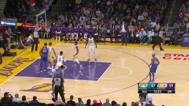 Berita video game recap NBA 2017-2018 antara LA Lakers melawan New York Knicks dengan skor 127-107.