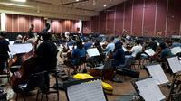 Suasana latihan Konser Lazada Simfoni Ramadan di Rossi Musik, Jakarta (dok SCTV)