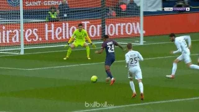 Christopher Nkunku mencetak dua gol saat PSG hadapi Metz dalam lanjutan Ligue 1. This video is presented by Ballball.