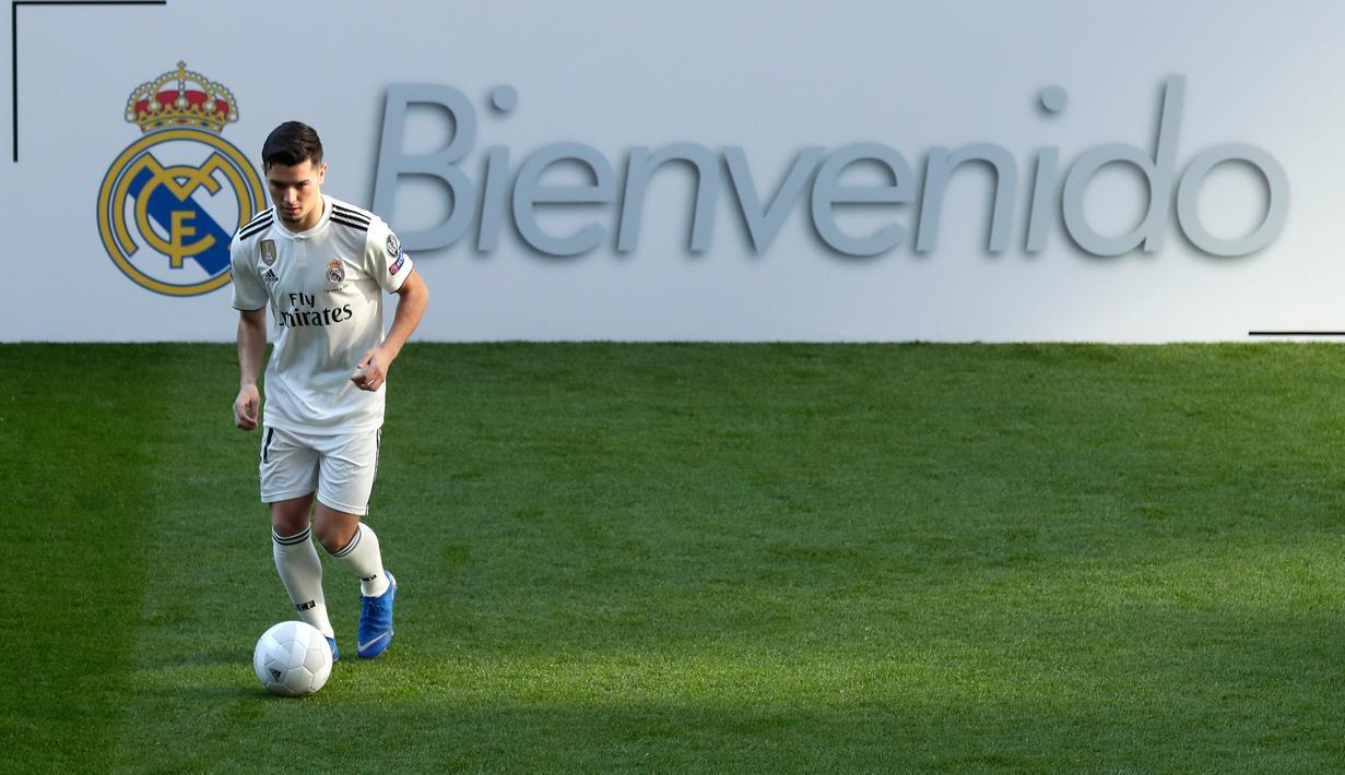 FOTO Aksi Pemain Baru Real Madrid Brahim Diaz Di Bernabeu