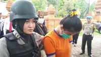 Seorang caleg cantik asal Kabupaten Kuningan Jawa Barat tertangkap polisi membawa satu paket shabu pada operasi anti narkoba awal Desember 2018. Foto (Liputan6.com / Panji Prayitno)